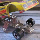 ARMY FUNNY CAR 77 PLYMOUTH ARROW FC HOT WHEELS 1/64 DRAGSTER - car-collector.net