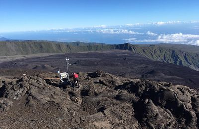 News from Piton de La Fournaise, Lewotolok, Nevado del Ruiz and Four Mountains.