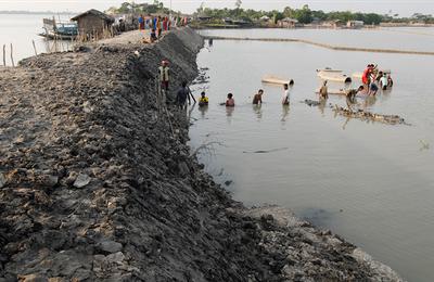 Un espace densément peuplé face aux risques et au changement climatique : le cas de du Bangladesh