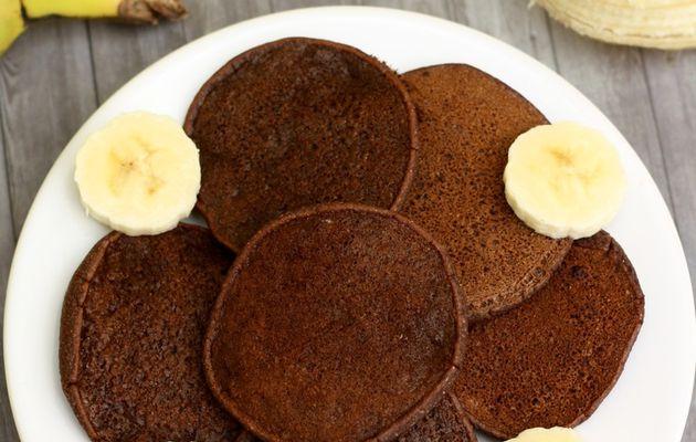 Pancakes à la banane et cacao (sans oeuf, sans sucre)