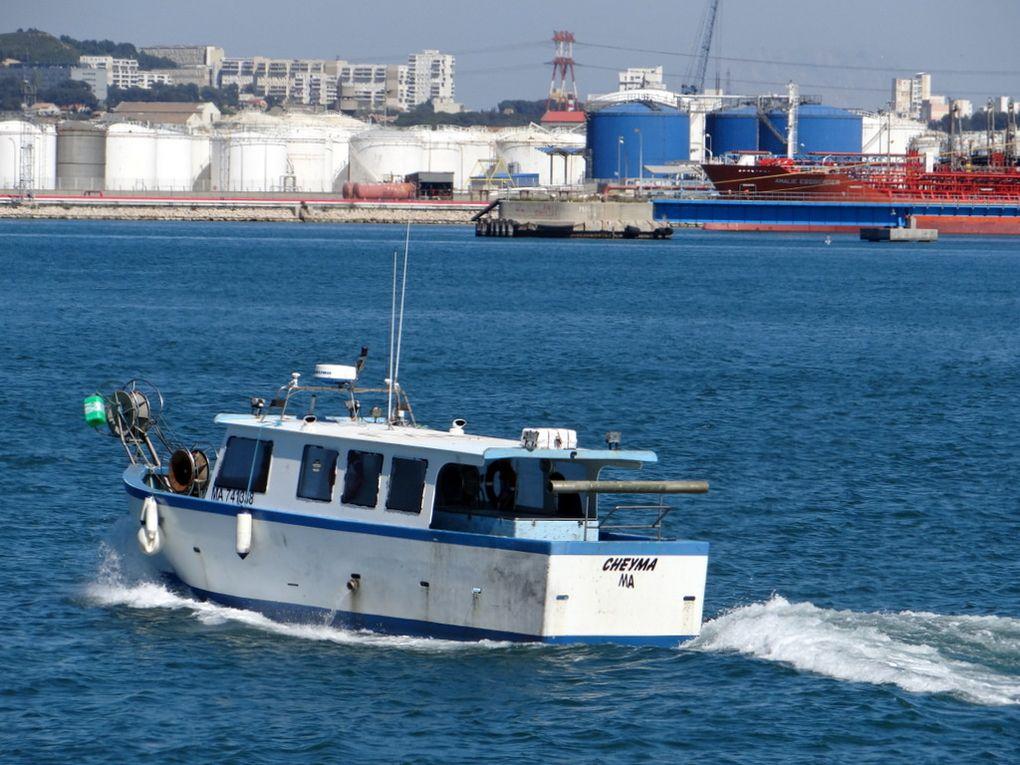 CHEYMA  , MT 741338  . Dans la baie de Lavera et à quai à Port de Pouc le 21 avril 2015