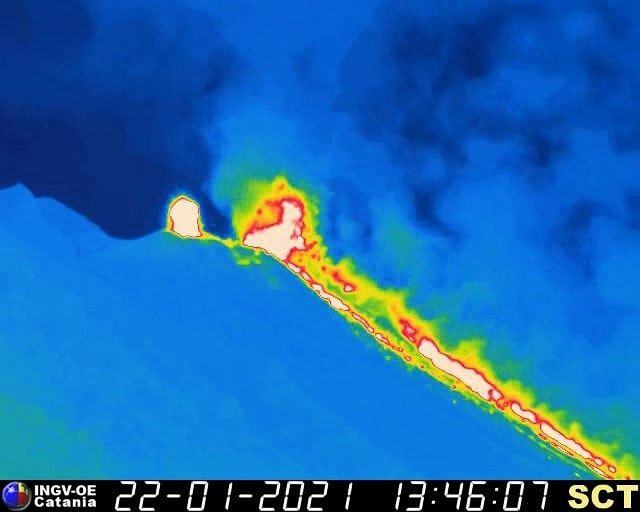 Stromboli - lava overflow and flow in Sciarra del fuoco on 01.22.2021 - INGV webcam images