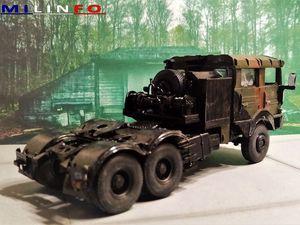 Tracteur TRM 700-100  (Gasoline - 1/48 - par David T.)