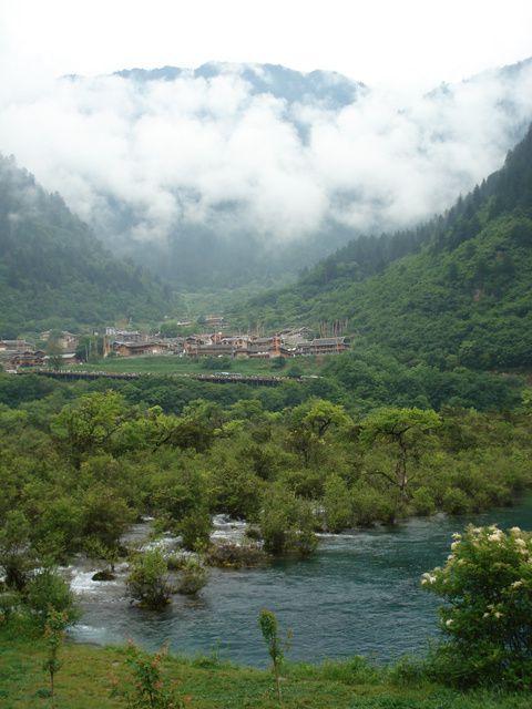 le Sichuan, une province à découvrir... Huang Long Shan(la montagne du dragon jaune) se situe à 3600m d'altitude...