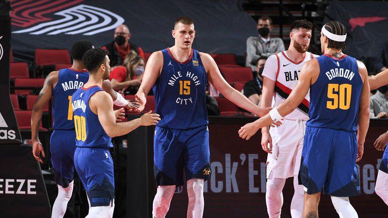 Nikola Jokic permet à Denver de reprendre l'avantage du terrain