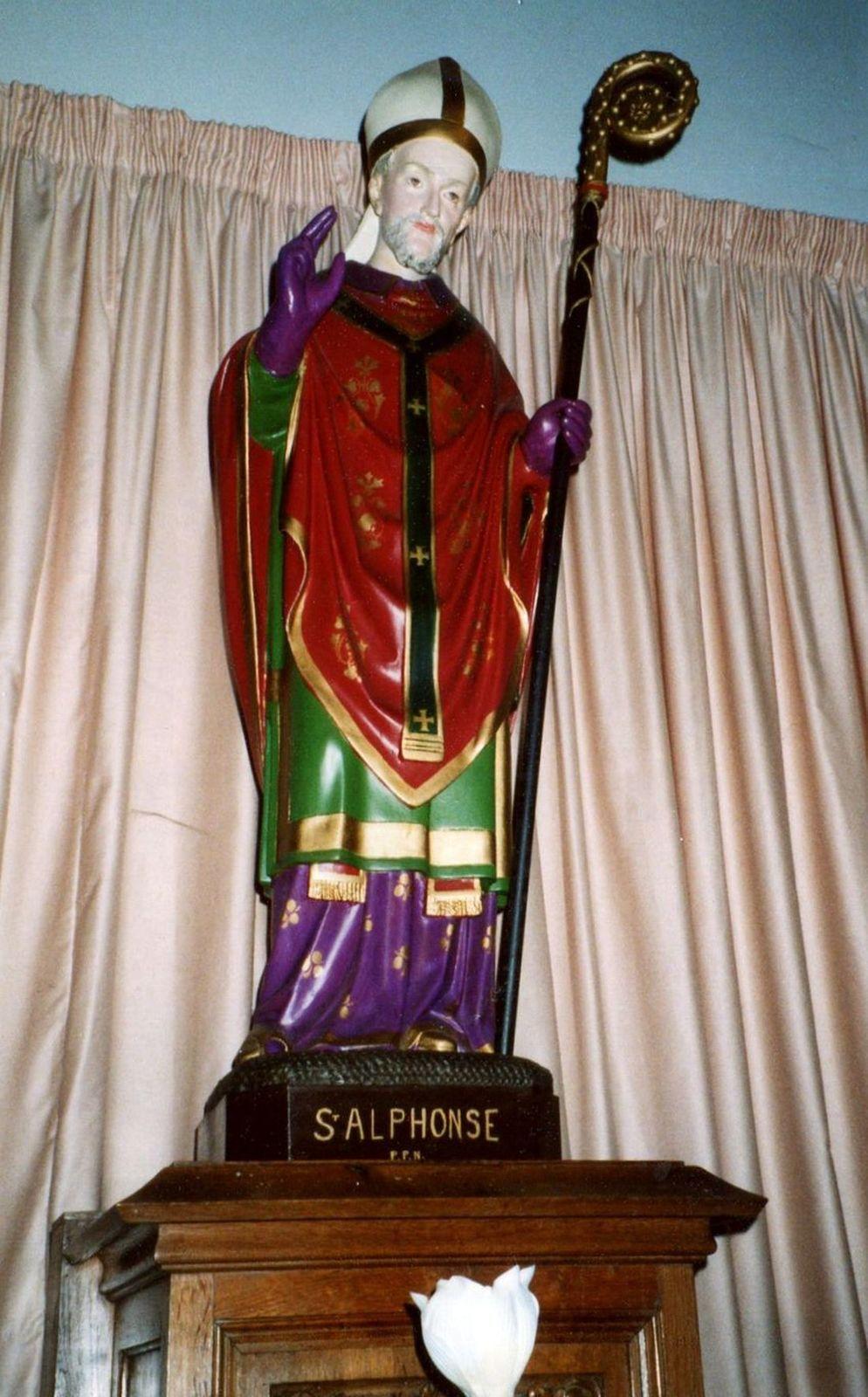 Statue en l'Eglise du Mont d'Halluin... le 14 Février 2003.
