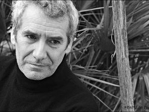manuel gélin, un acteur et chanteur français qui est le fils de Daniel gélin, il sortira trois 45 tours dans les années 1980 avant de composer pour le théâtre et le documentaire