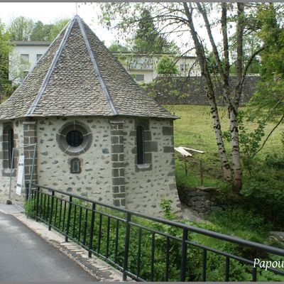 La chapelle à Pierrefort