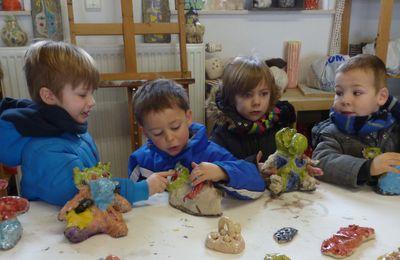 stage de raku avec les tout-petits de l'école du village