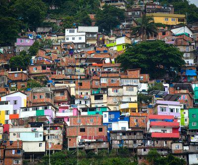 L'obs février 2020. Mariana, la bénisseuse des ressuscités dans les favelas.  Par Nathalie Maranelli