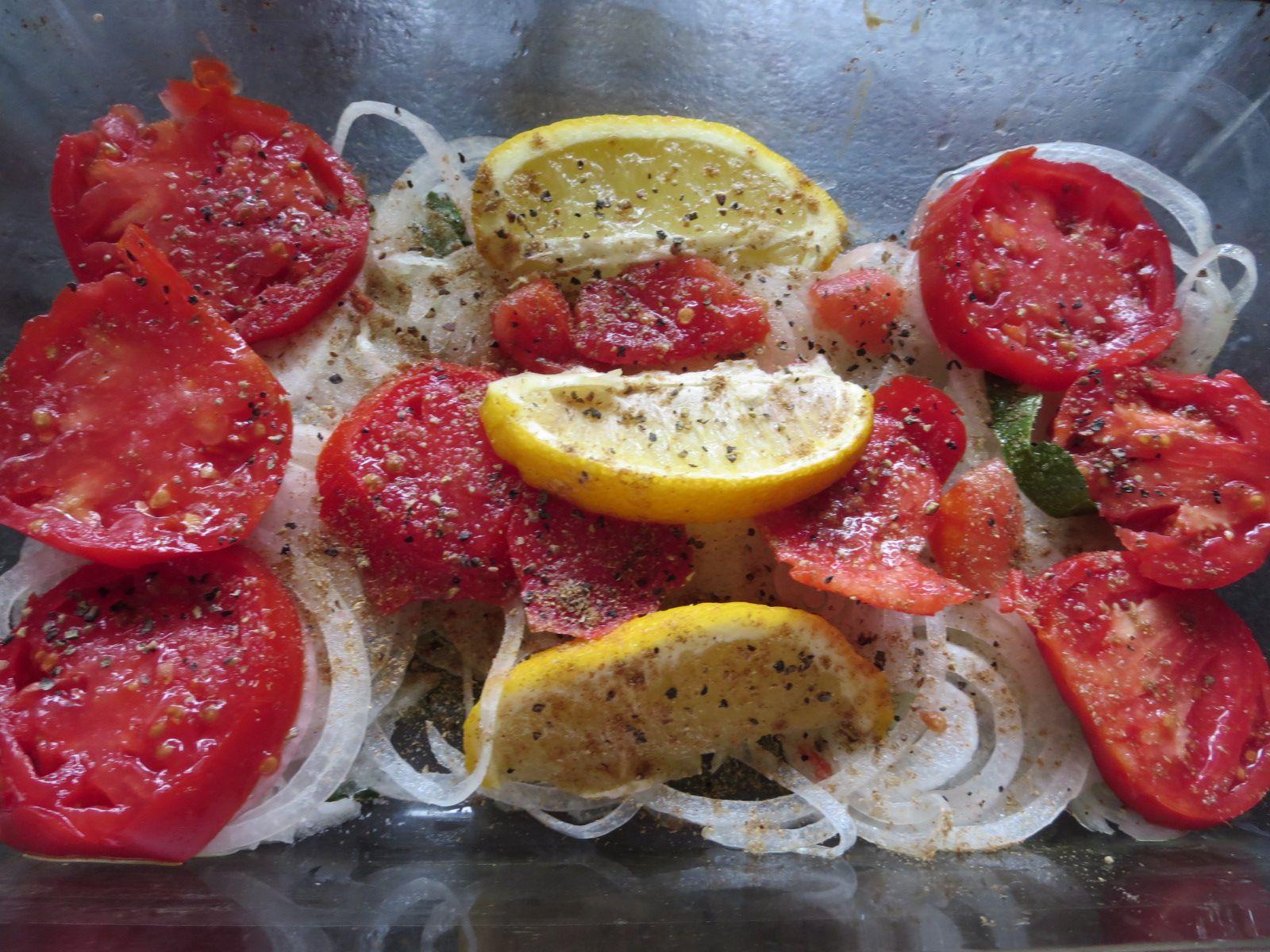 Des bons plats de légumes cuits au four pour accompagnement de viandes ou de poissons