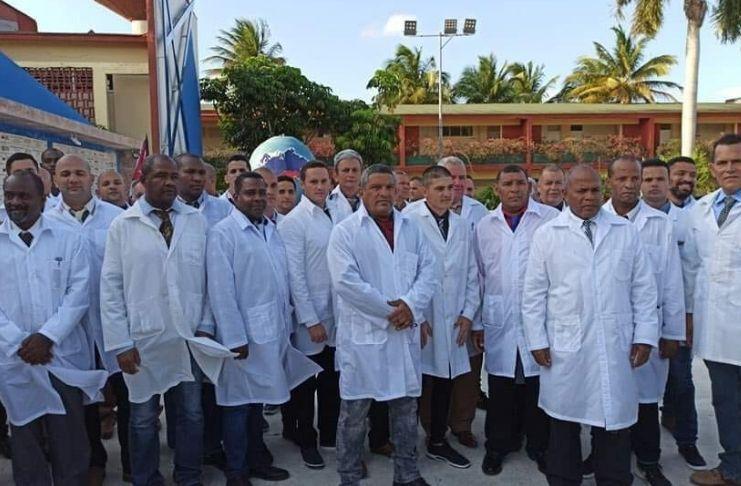 """la prima brigata medica cubana del contingente """"Henry Reeve"""",  questo 8 giugno, é tornata a Cuba"""
