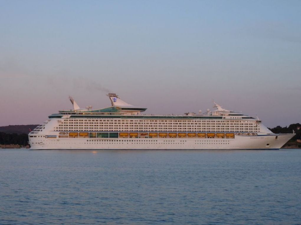 VOYAGER OF THE SEAS