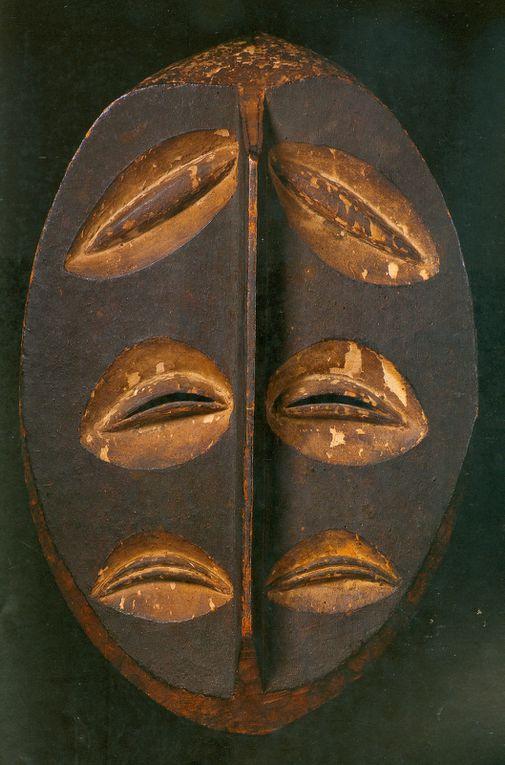 Masques africains : vecteurs d'équilibre