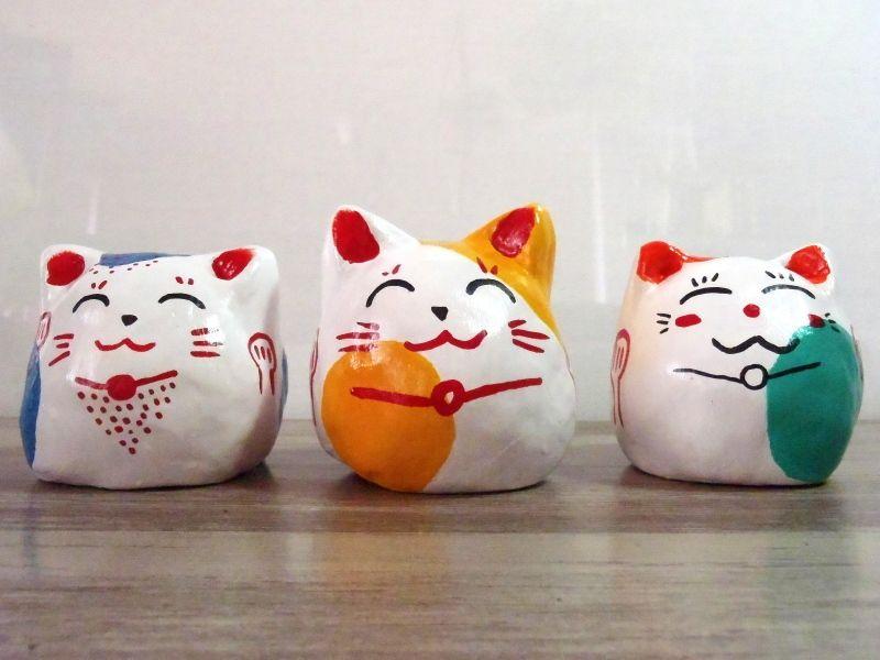 Figurines en argile Maneki Neko (Akihabara, Ikebukuro et Roppongi)