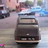 "QUELQUES MODELES DE LA COLLECTION ""LA 2CV CITROEN"" AUX EDITIONS HACHETTE - car-collector.net"