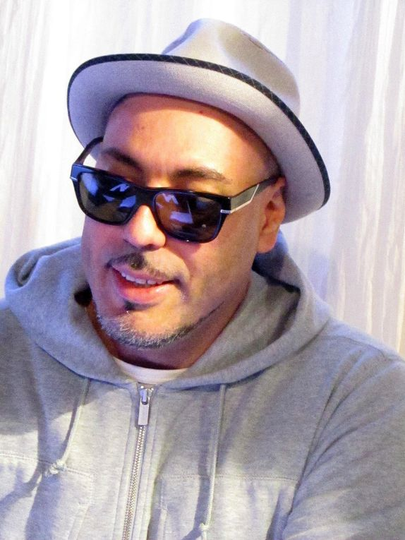 Les DJs du set electro 2012 au W  à Orléans: Roger Sanchez ,  DJ Paulette, D-Vice et Soufiane SANKHON , adjoint - Plus d'infos sur http://www.obiwi.fr/culture/musiques/94312-set-electro-2012-a-orleans-roger-sanchez-et-dj-paulette-aux-platines