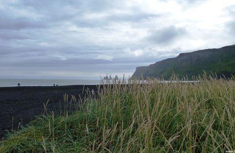 Islande : les aiguilles de Vik, rochers des Trolls