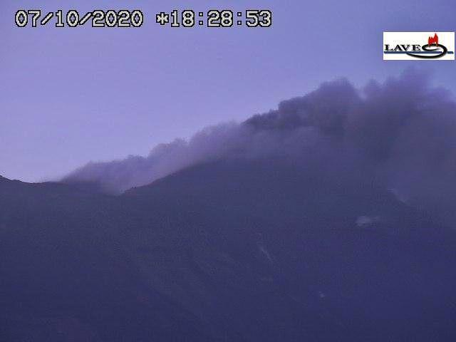 Etna NSEC - 07.10.2020 / 18:28 - LAVE webcam