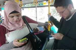 Dans le tramway à Jérusalem, photo de Roland Metzger