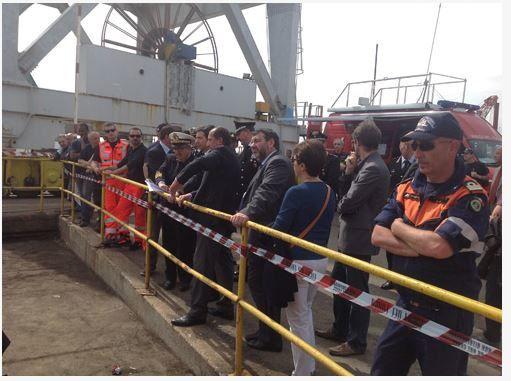 Catastrophe de Gênes - l'armateur du porte conteneur fautif charge les remorqueurs