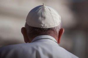 Papa Francesco pronto alle dimissioni? Ci troveremmo con tre papi