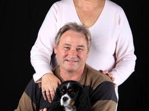 Portrait en famille avec votre animal de compagnie..