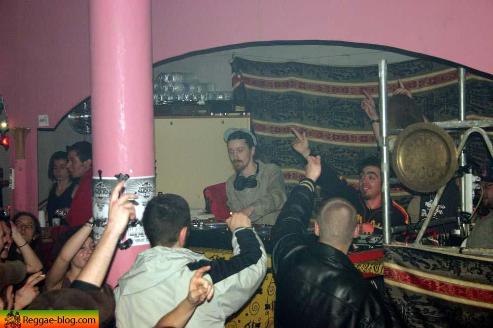 """Photos <span style=""""font-weight: bold;"""">Urban Bashment</span> &agrave; Lille (18/12/2005)<br/> Avec High Session, Selecta Cab, Drumtabass &amp; Prophecy sound<br/>"""