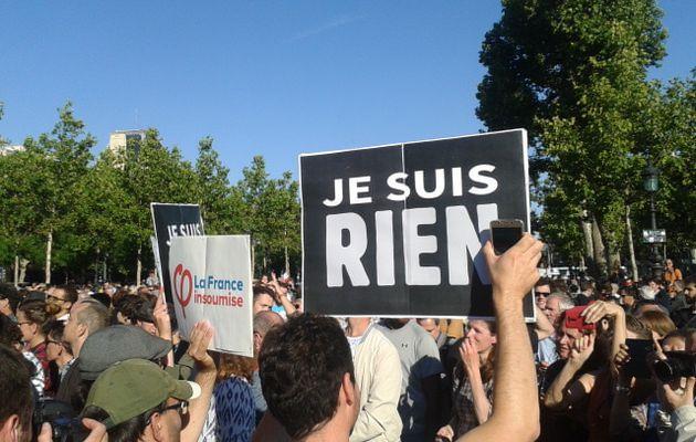 La France insoumise place de la République face au « monarque Macron »
