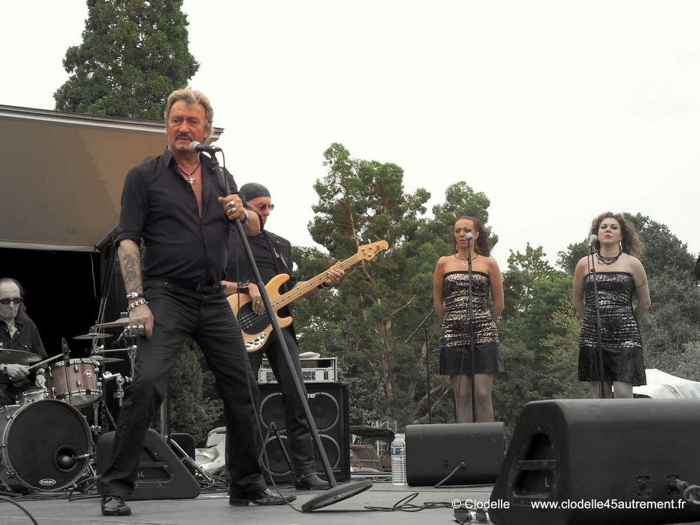 Richy sosie de Johnny Hallyday lors de son récent concert à Saint Cyr en Val