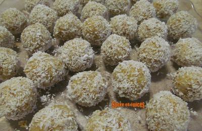 Bonbons aux abricots secs, aux noix et à la noix de coco - Recette facile et rapide, sans cuisson et sans gluten