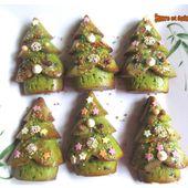 Sapins moelleux à la pâte de pistaches - www.sucreetepices.com