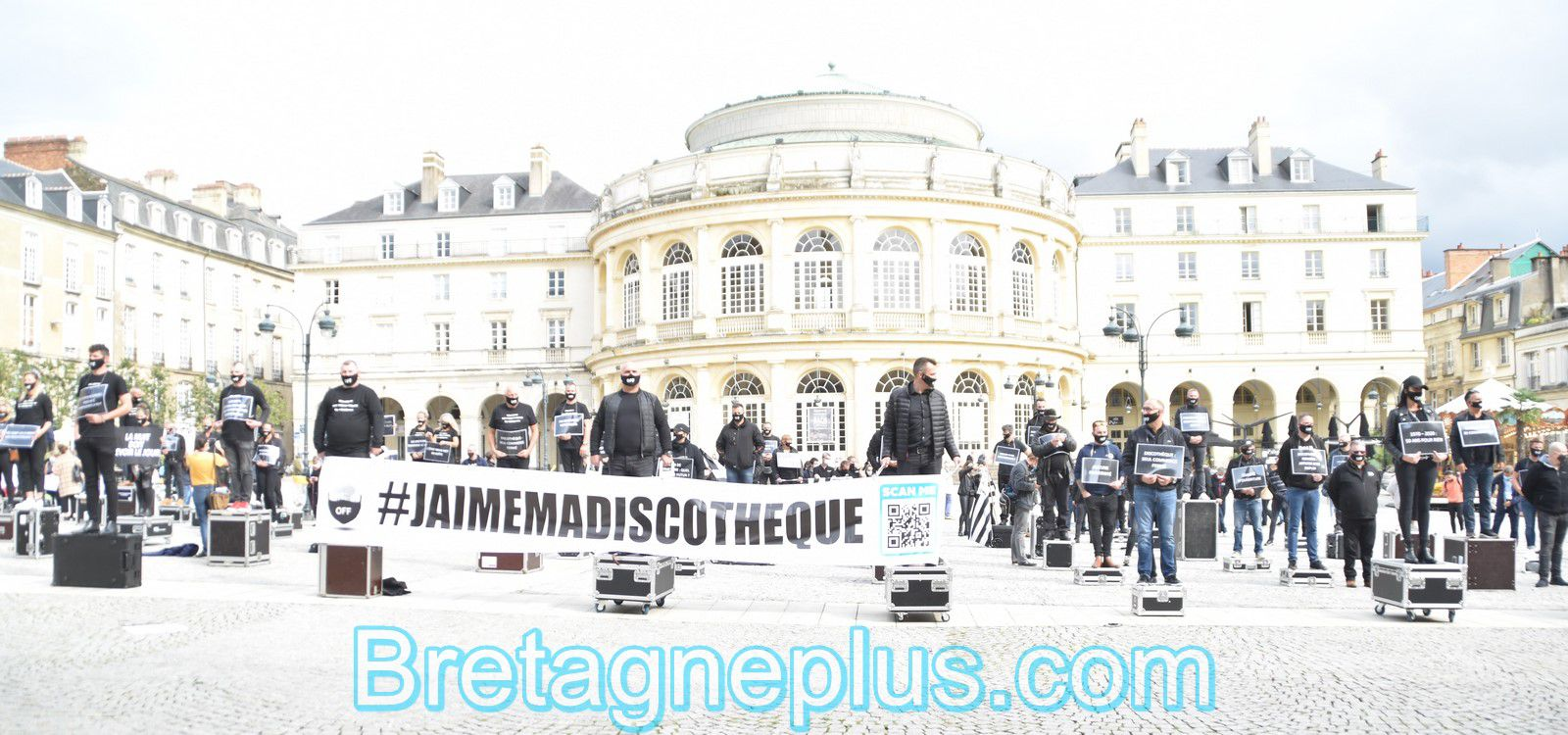 Rassemblement en silence, des patrons de discothèques, à Rennes