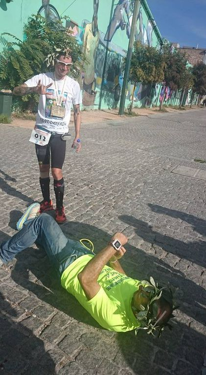 Fidippides Run Athens-Sparta-Athens 2015 (1^ ed.). Marco Bonfiglio, il primo vero Fidippide italiano e del mondo. Gioia ed esultazione al traguardo e, dopo, il meritato riposo del guerriero, con un gelato