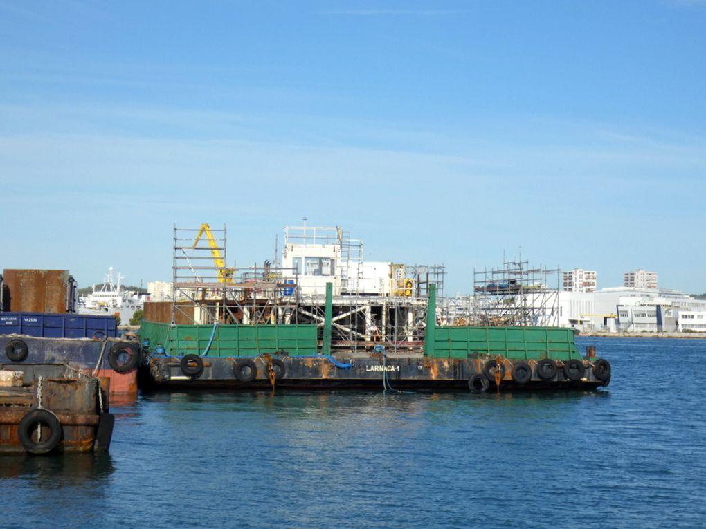 Barge LARNACA 1 , àquai à la Seyne sur Mer le 23 septembre 2019
