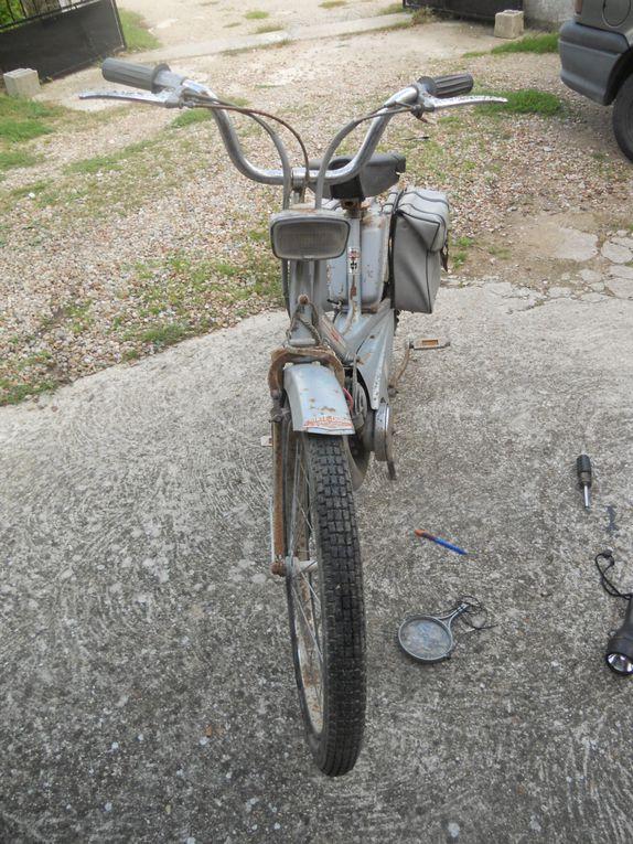 Motobécane AV42S du  Année : 1970 N° cadre : 429....... N° moteur : 807...... Carburateur : Gurtner AR2 12 707 E 2/70