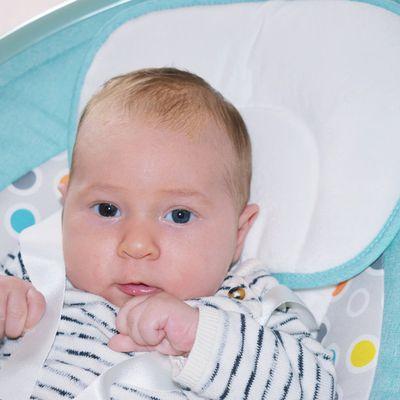 Joyeux 2 mois bébé Julian
