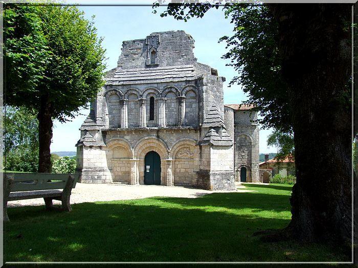 Diaporama église fortifiée de Berneuil