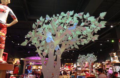Décoration magasin animée chez Disney Store