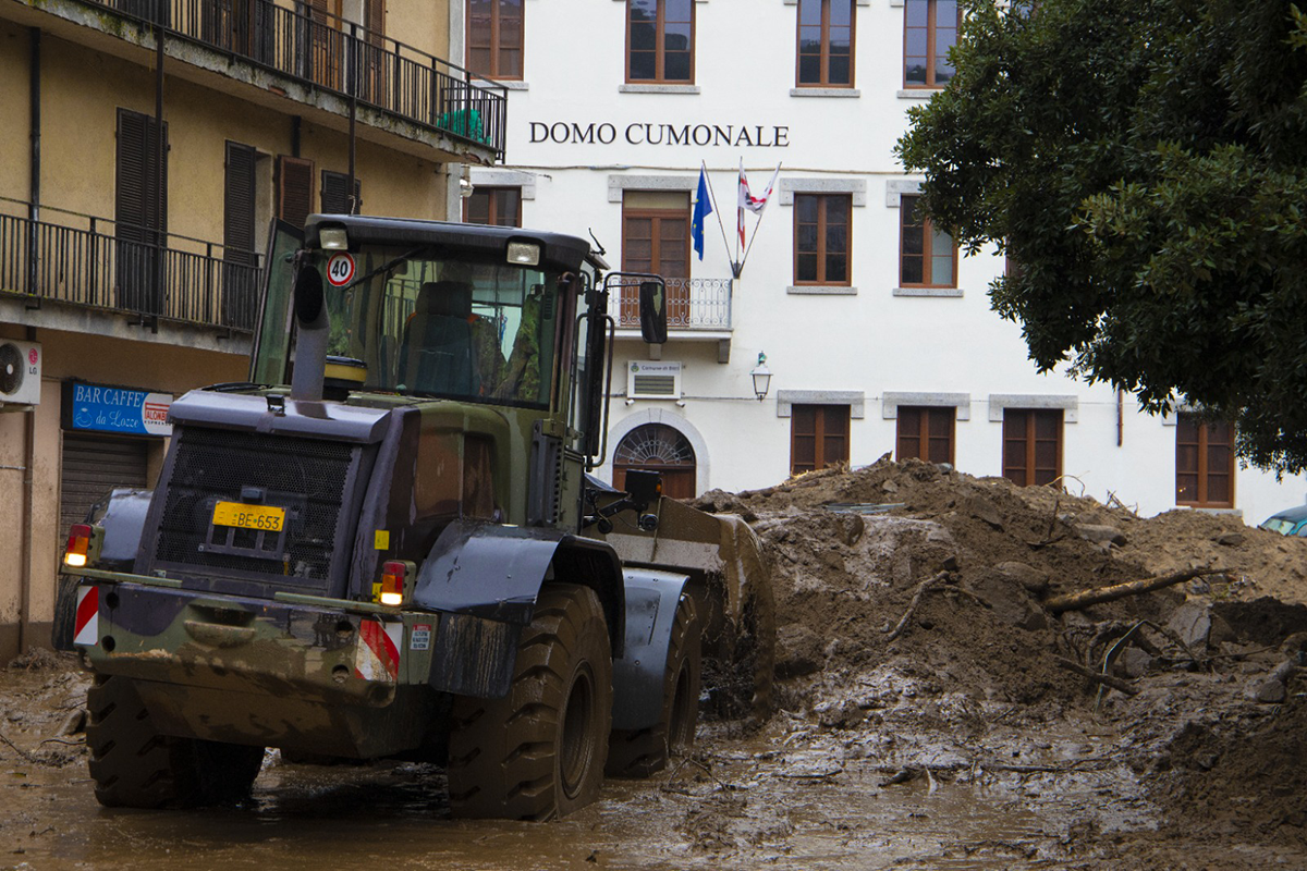 Esercito in azione a Bitti dopo l'alluvione