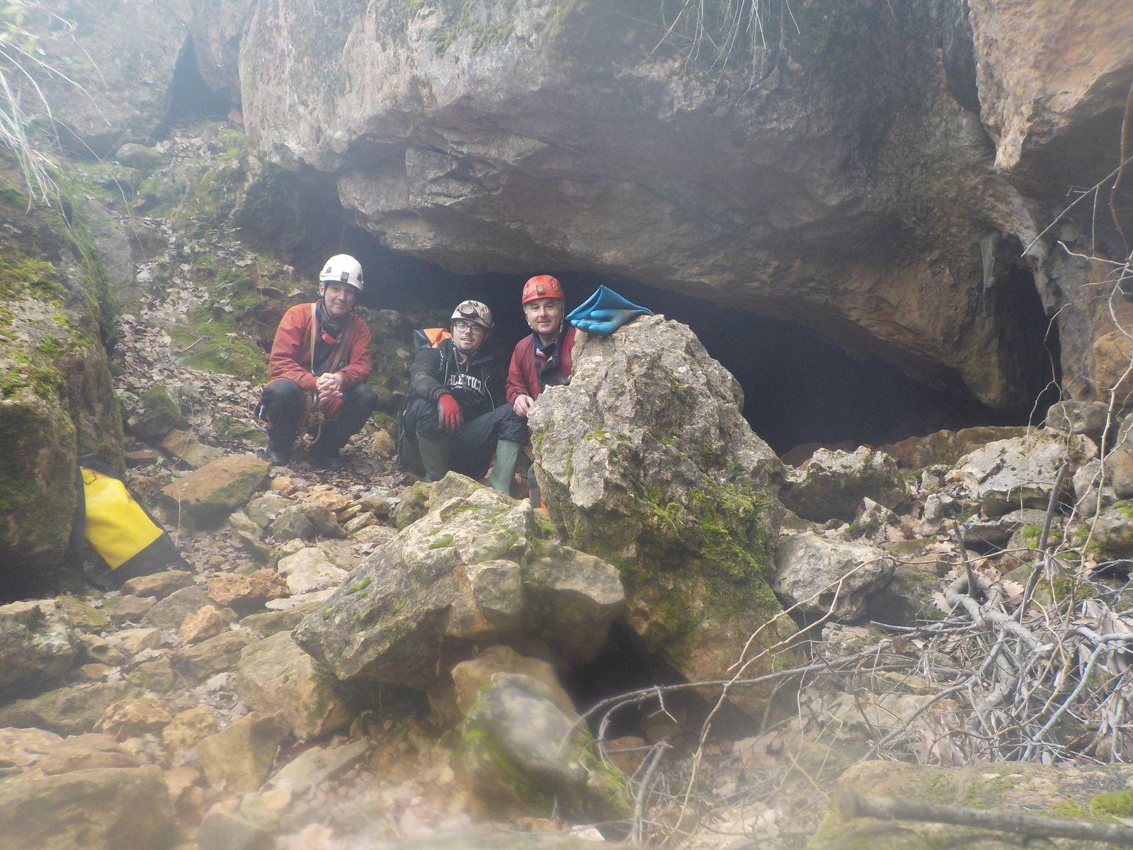 Une belle petite explo  ! Le Ragaïe de Néoules reste une valeur sûre pour faire découvrir le monde souterrain  (dédé)
