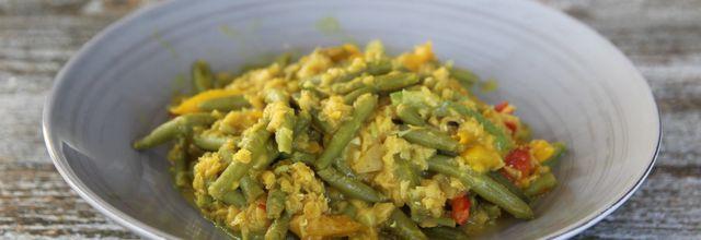 Haricots verts, lentilles corail et poivrons au lait de coco IG bas et même cétogène