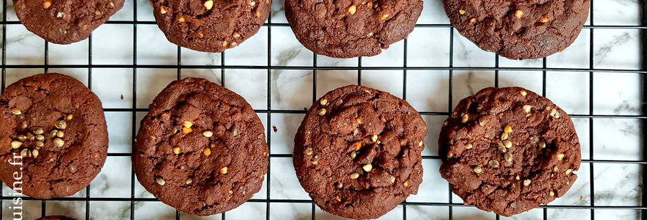 """Cookies au Chocolat, graines de Sarrasin et Chanvre à la Fleur de Sel """"sans oeuf"""""""