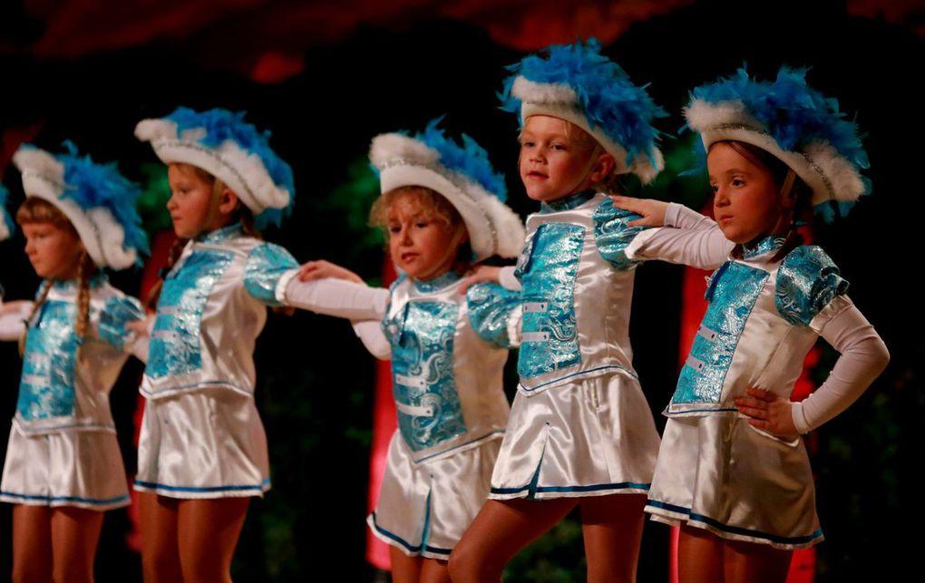 Als erste Programm-Nummer tanzten sich die niedlichen Tanzmäuse der TSG im Kindergartenalter in die Herzen der Zuschauer.