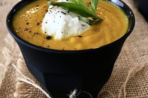 Velouté de carottes à l'estragon et à la Ricotta