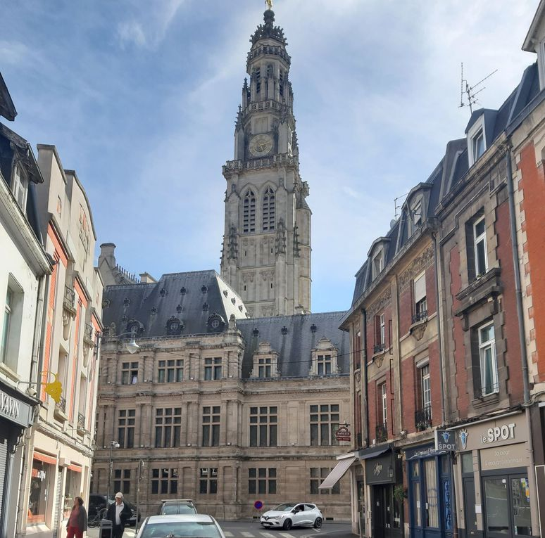 Quelques photos des places d'Arras.