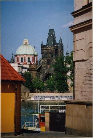 Prague est un petit bijou architectural de l'Europe centrale. Cela va du gothique jusqu'à l'époque contemporaine. J'ai trouvé cette ville magnifique.