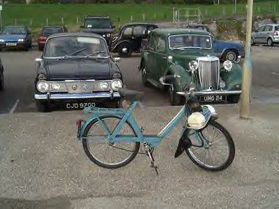 Photos of Pete J.'s blue 1974 4600 V1, Brighton, England