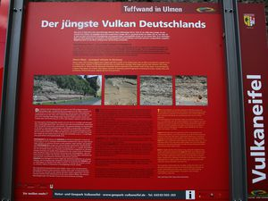 Description panel of the wall of the Umener maar - a click to enlarge - Photo © Bernard Duyck 08.