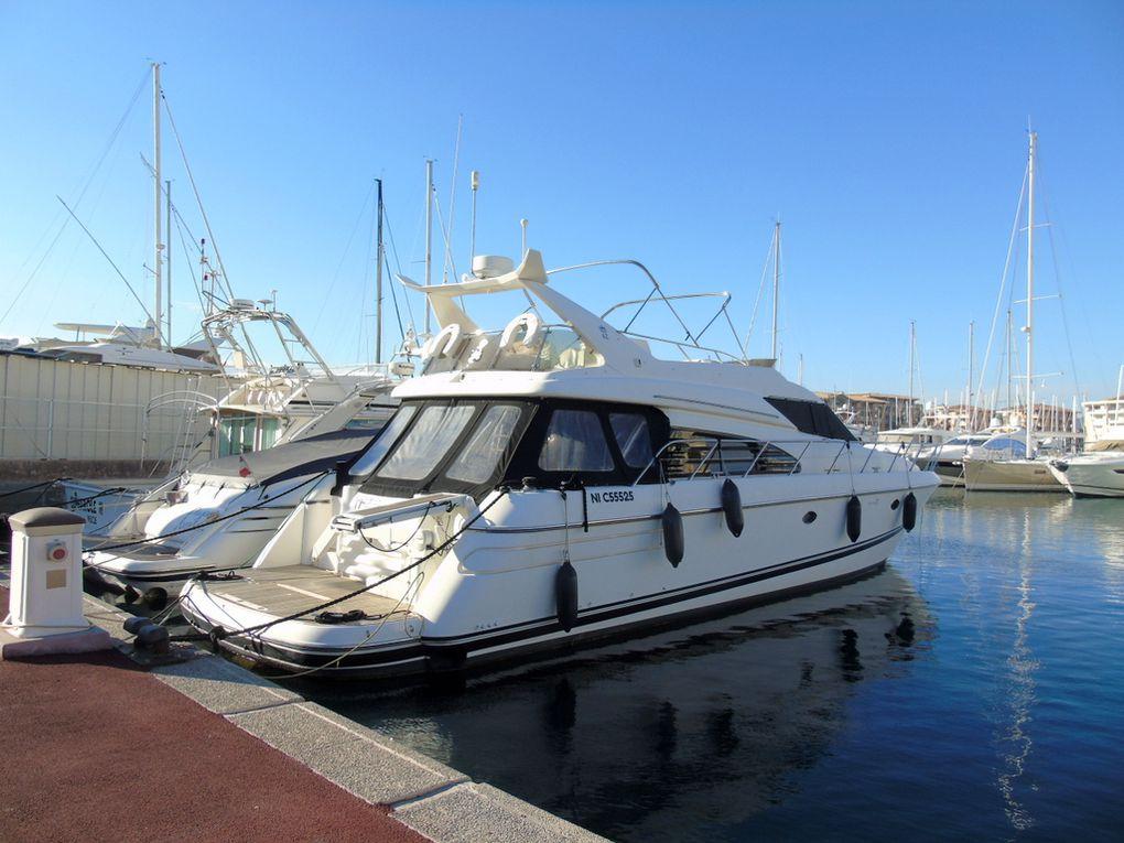 THEO CLARA , a quai dans le port de Fréjus le 27 novembre 2017